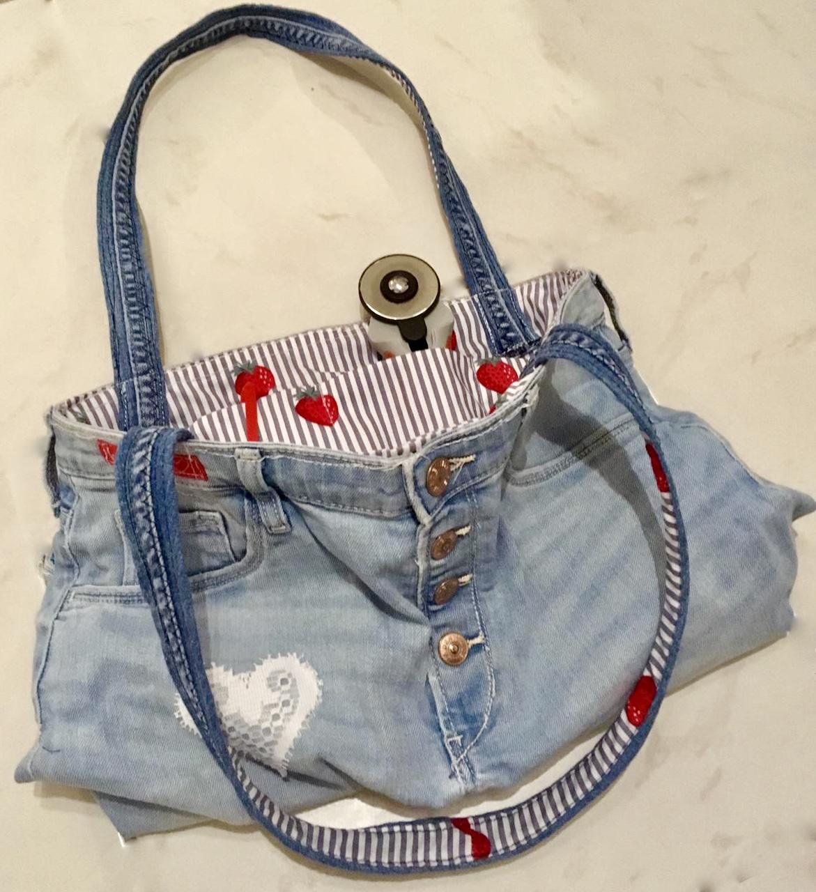 upcycling-aus jeans eine Tasche genäht